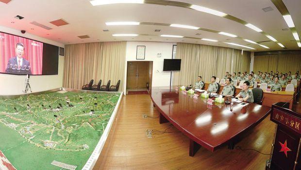 吉安军分区组织官兵集中收看庆祝建军90周年大会盛况