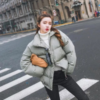 软萌面包服+高领毛衣,冬季时髦又保暖搭配就这样穿,洋气又减龄