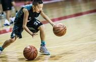 中国国家队最矮球员,身高仅1米58,被NBA训练师称赞为中国库里!
