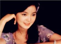 陈妍希确认搭档何润东饰演一代歌后邓丽君,网友:二者确实神似