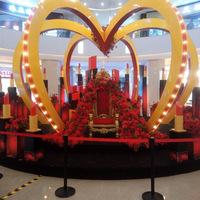襄州区民发广场举办女王化妆节