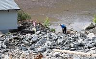 挪威山区发生泥石流 现场一片狼藉